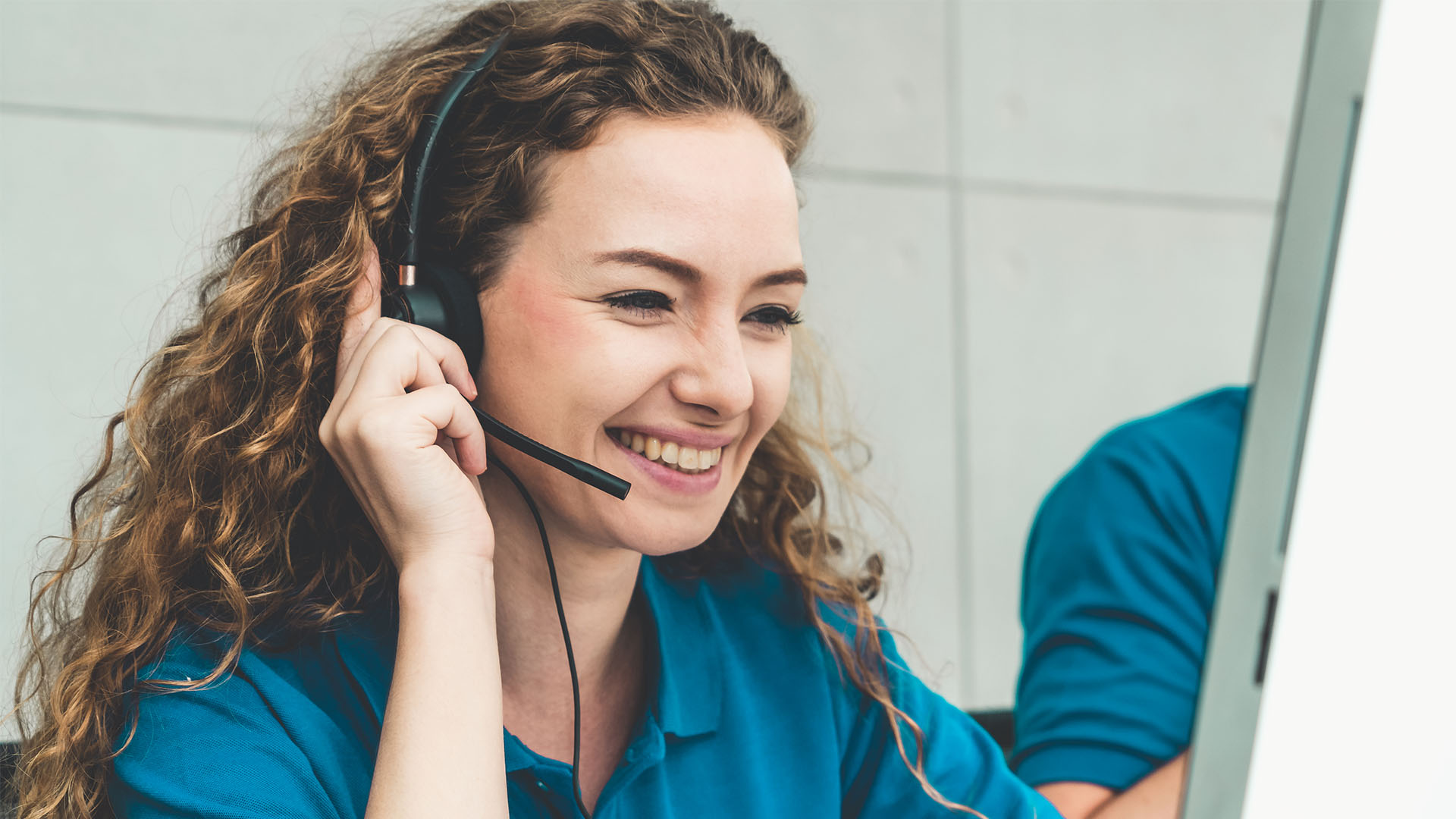 In-House vs. Virtual Receptionists: How to Choose